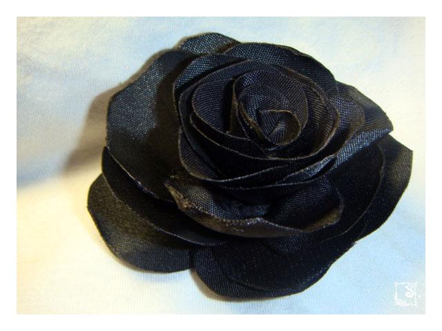Розы из атласных лент просмотров 11179